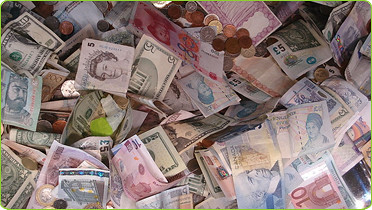 Cash. BlantantWorld.com/Flickr.