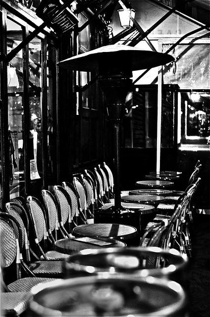 terrasse d 39 un caf rive droite paris noir et blanc flickr photo sharing. Black Bedroom Furniture Sets. Home Design Ideas