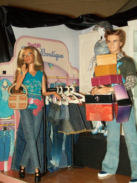 rebodied Model #12 Jeans shopping with Star Trek Kirk