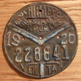 ILLINOIS, CHICAGO 1926 ---CHICAGO MOTOR TAX DISK, PASSENGER AUTO 35 HP or LESS