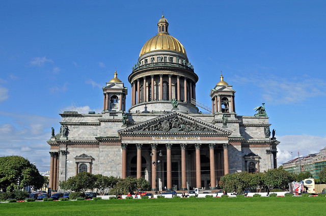 Saint Isaac's Cathedral by CC user archer10 on Flickr