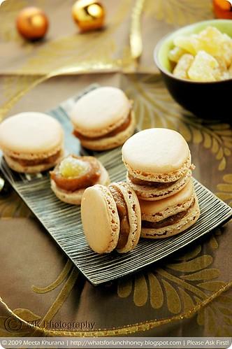Lebkuchen Quince Macarons