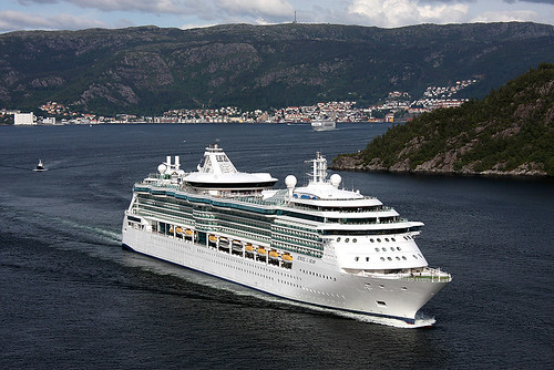 Jewel of the Seas i Bergen by Christopherkr