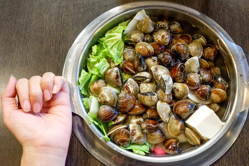 金讚小火鍋涮涮鍋【新北市三重火鍋店】蛤蜊就是狂,超多蛤蜊的小火鍋,還有蛤蜊麵!金讚小火鍋涮涮鍋