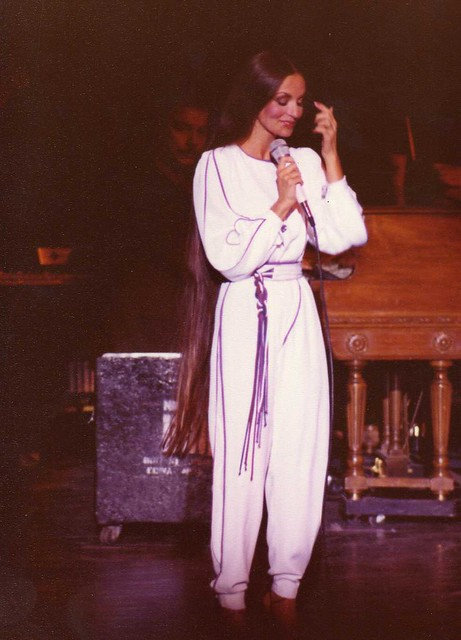 Crystal Gayle Long Hair http://www.flickr.com/photos/gtotiger/3812788221/