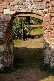Obraz Leiston Abbey. summer buildings suffolk ruins september iphoto 14thcentury leiston nikond90 leistonabbey afsdxvrzoomnikkor18105mmf3556ged
