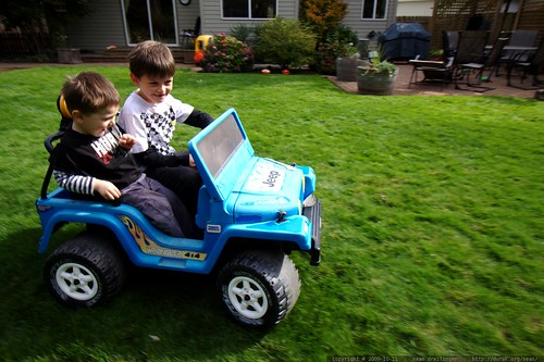 brothers commandee ian's electric jeep, terrorize the dog and terrify their parents     MG 6237