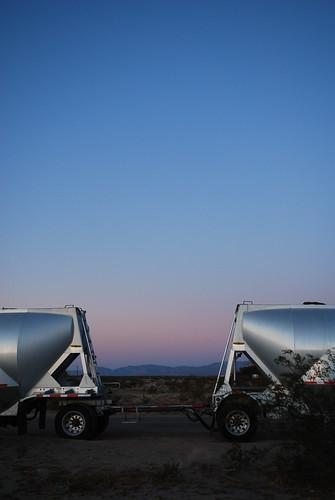 sunset color sunrise landscape desert tanker ridgecrest bigrig