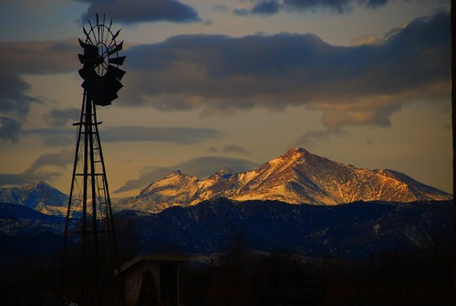 windmill longs peak farm mountain co colorado lafayette snow clouds shadows backlight turbine silhouette tower scenic rocky mountains vista rugged mt meeker absolutelystunningscapes ranch ridge sky luckyorgood timberline above high alpine bej majestic machine wind pump water nikon d80 love fun spectacular old supershot united states america us usa powered dawn early morning oldwindmills oldwindmill skies rockymountians rockymountains essence weather cloudy day sunset pwwinter lafayettecoloradolafayettecoloradolafayette colafayetteco lafayetteco lafayettecolorado cielo everybodylovesasunset daybreak windpump windwaterpump windmillpump atardecer