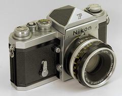 Nikon F with eye-level finder