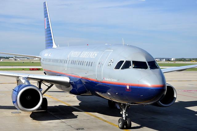 United Airlines N855UA A319-131