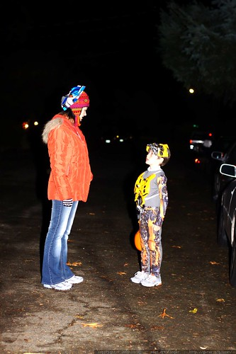 senior trick or treaters waiting for the little on to catch up    MG 7335