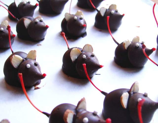 Holiday Chocolate Mice | Flickr - Photo Sharing!