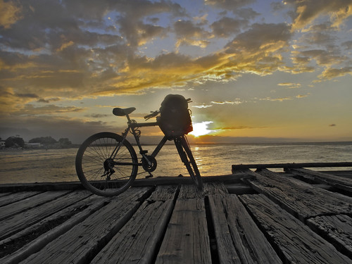 sunset bicycle america honduras laceiba centralamerica