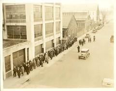 Strike of 1935 - Picketing workers view 5