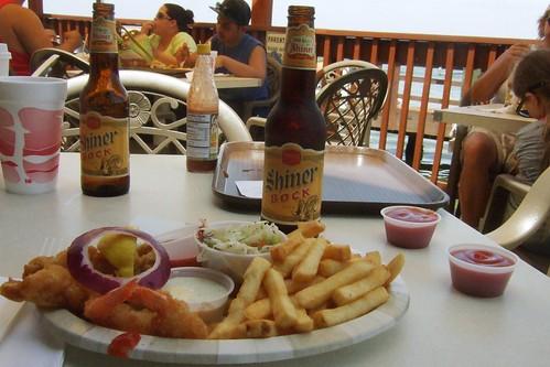 beer geotagged restaurant bottle texas unitedstates corpuschristi frenchfries shinerbock seafood week46 friedshrimp flourbluff snoopyspier 52beers geo:lat=2763231457 geo:lon=9724043280