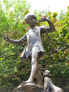 'Peter Pan Statue' by toastbrot81