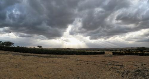 cloud dusk geo:lat=148736458 geo:lon=3675364494 geotagged light sunrays sunset geoafrica kenya kiserian riftvalley set:name=200910kenya 0tagged whistlingthorns