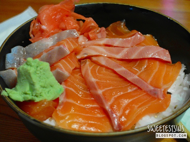 Mitsuba by Yurine Japanese Restaurant salmon sake don