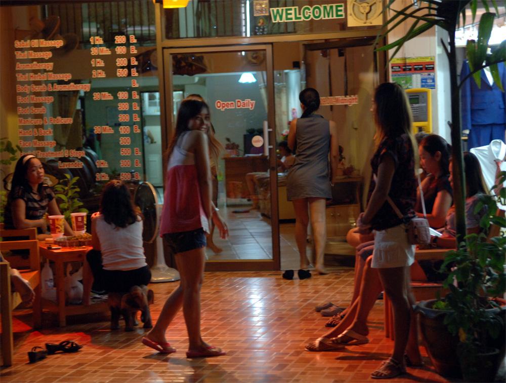tantra massage thai royal thai massage holmbladsgade