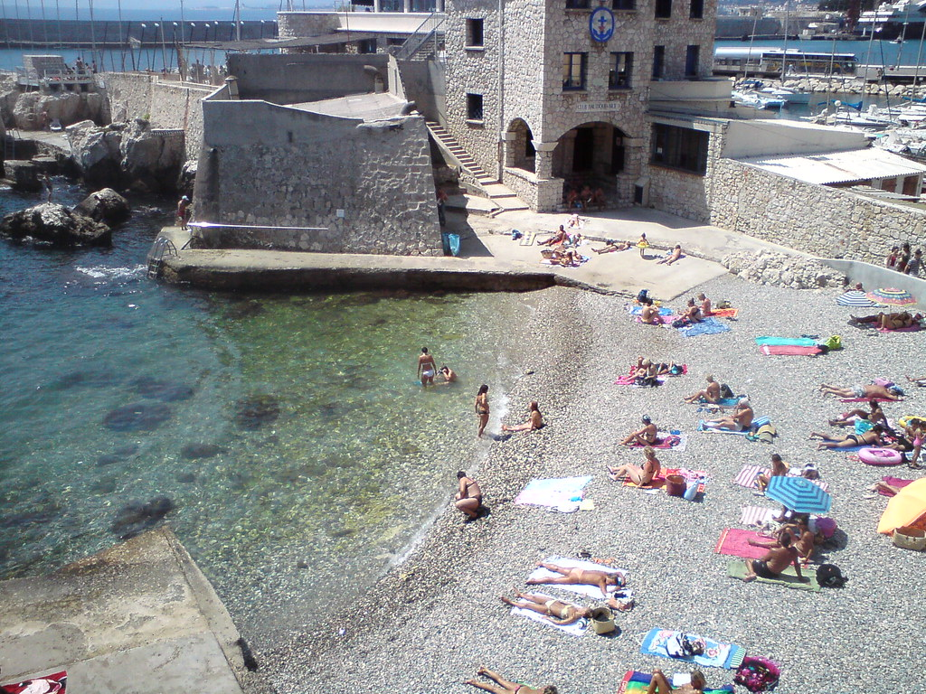 090812: Nice - Bains militaires