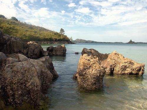 cielo rocce azzurro madagascar caletta oceanoindiano isole nikond80 sakatìa sullosfondolisoladeimorticimiteroanimista