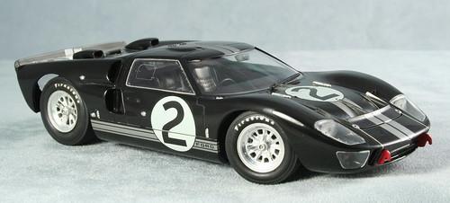 Ford GT-40 Mark II - 1966 Le Mans Winner - 1/24th Scale Model  - 2009-11-23 (6632b)