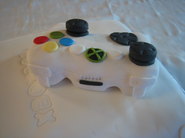 Xbox Birthday Cake http://www.flickr.com/photos/25016830@N03/4155706203/