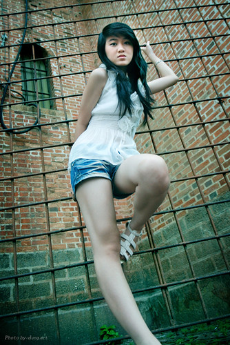 Miss Thuy Vi