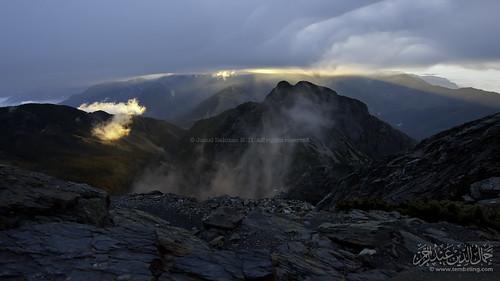 cloud cold rock sunrise cloudy taiwan overcast jademountain yushan