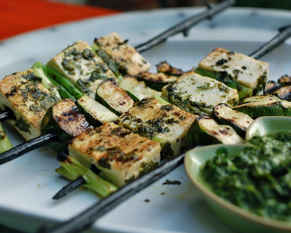 Deelish Recipes: tofu kebabs with cilantro sauce