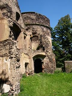 Image of Zamek Świny. castle zamek schweidnitz świdnica świny schweinhausburg geo:lon=16112292 geo:lat=50938831
