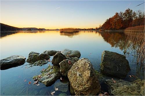 blue sunset lake nature water germany landscape bayern deutschland bavaria see evening abend nikon wasser herbst natur oberbayern dämmerung blau countyside