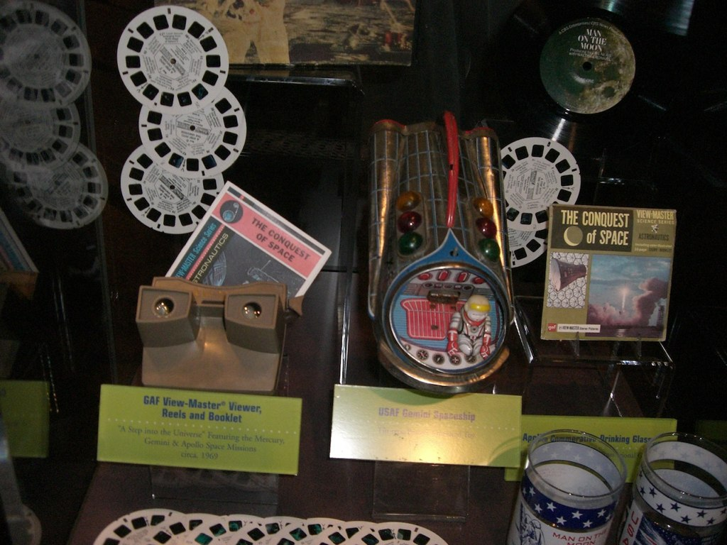 NASA Visitor Center Gift Shop - Pics about space