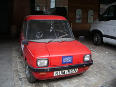 family car(0.0), fiat 126(0.0), automobile(1.0), supermini(1.0), vehicle(1.0), subcompact car(1.0), city car(1.0), land vehicle(1.0),