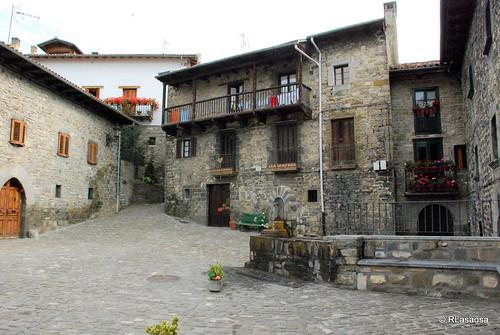 Rincón de Portazabalea, Roncal, Navarra by Rufino Lasaosa