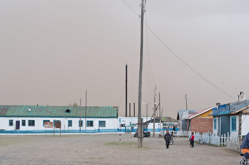Sandstorm coming to the small town