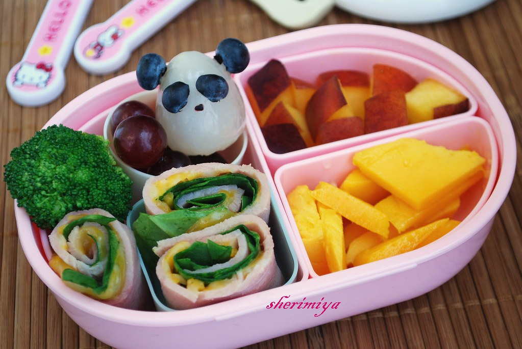 Panda with rollups toddler bento