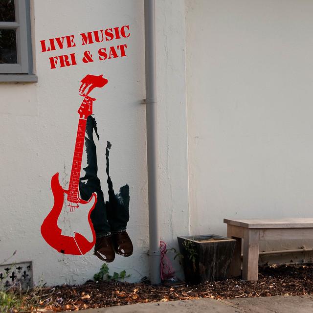 215/365: Live Music FRI & SAT