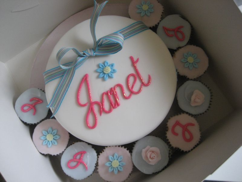 Janet Birthday Cake With Matching Cupcakes A Photo On Flickriver