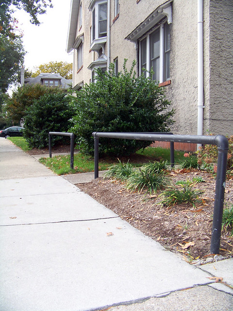 1111 colley ave planter rails | Location: 1111 Colley ave  N