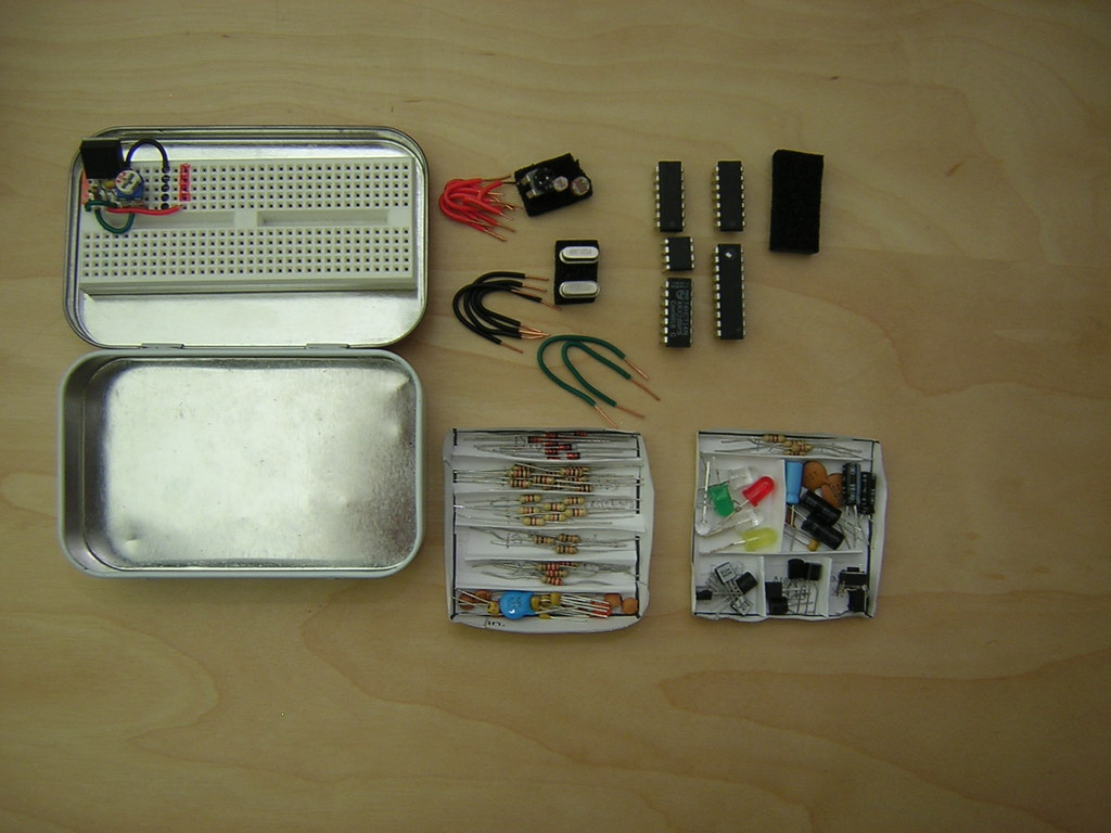 Altoids tin electronics lab for Tin projects