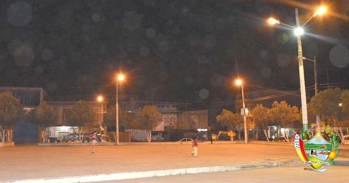 Solucionan problemas de alumbrado público en Terminal Terrestre y Plaza Elio Santos Macay de Chone