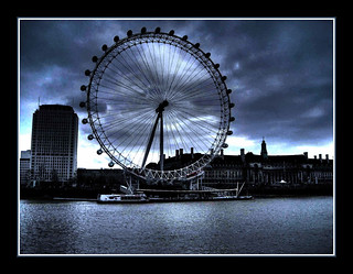 LONDON  EYE-Millennium Wheel