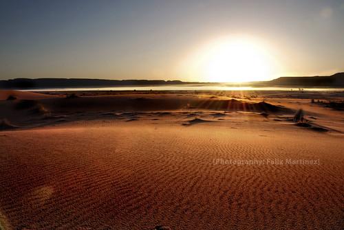 travel viaje red sunrise relax landscape nikon dunes paisaje amanecer desierto soledad marruecos dunas d80 felmar73 masiapelarda