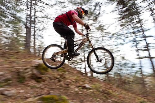 trees orange mountain bike bicycle forest greek nikon nikos downhill greece panning f4 vr nickk 1635mm ελλάδα δέντρα ποδήλατο ελληνικά d700 δάσοσ νίκοσ koutoulas κουτούλασ κατάβαση dwcffpanning