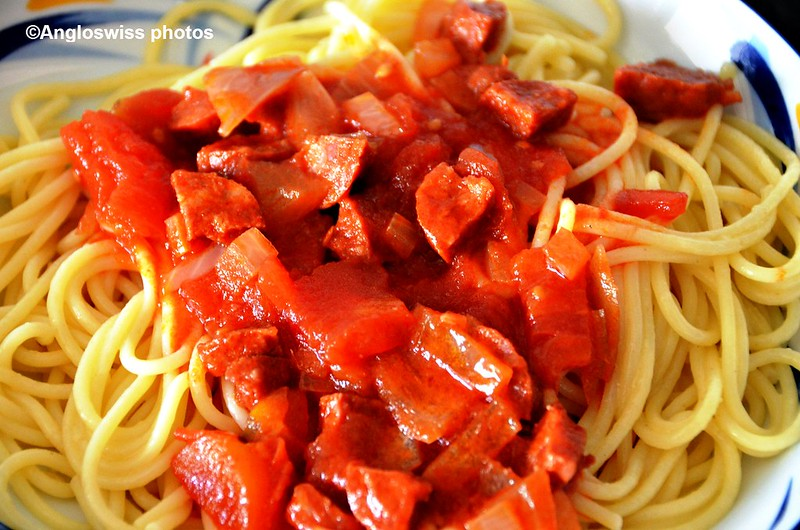 Spaghetti with chorizo and tomato 20