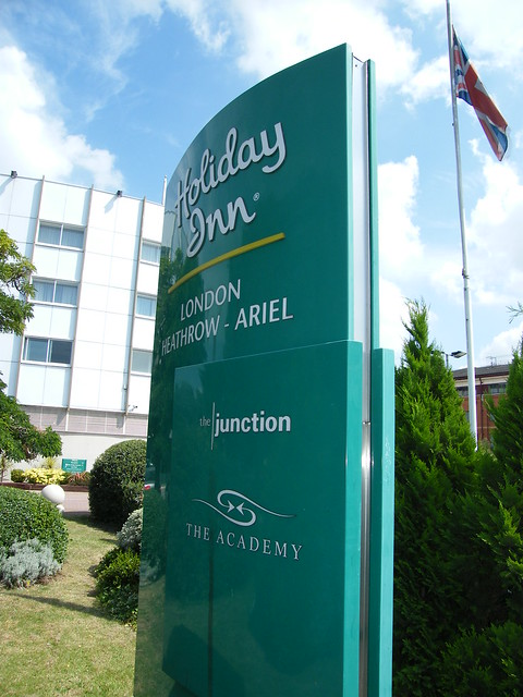 The superb 4 star Holiday Inn Ariel Hotel London-Heathrow Airport - It's iconic round design was opened by the Queen! Great hotel with Hoppa Bus access from Heathrow! 2008! Enjoy!