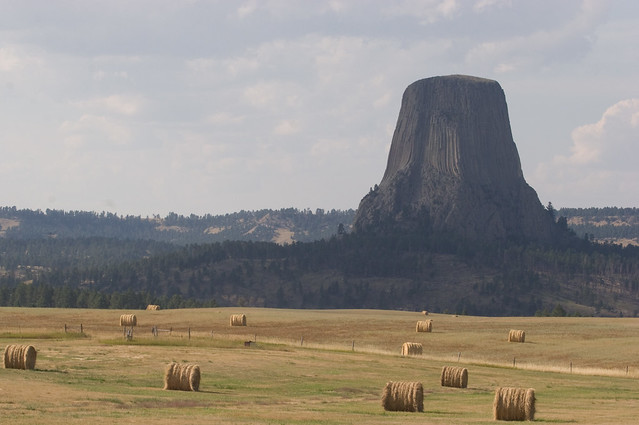 Devil's Tower by CC user kimon on Flickr
