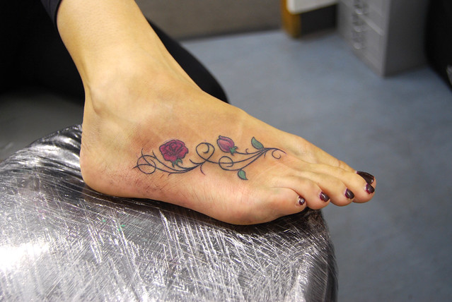 rose and vines foot tattoo flickr photo sharing. Black Bedroom Furniture Sets. Home Design Ideas
